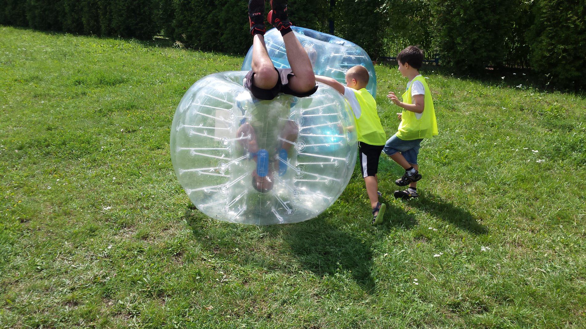 Świetna zabawa z Bubble Soccer, półkolonie 2times Warszawa